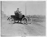 1901 Packard Model C with driver