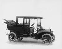 1907 Packard 30 Model U landaulet, three-quarter front view, right side
