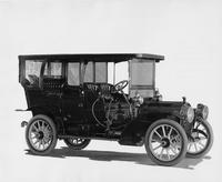 1909 Packard 30 Model UB touring car, three-quarter front view, right side
