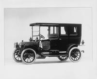 1910 Packard 18 Model NB limousine, three-quarter front view, left side