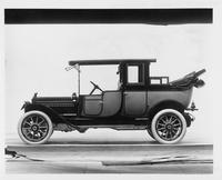 1911 Packard two-toned landaulet, back quarter collapsed, left side