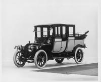 1911 Packard 30 Model UD fore-door, landaulet, quarter collapsed, left side