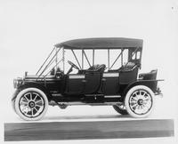 1912 Packard 30 Model UE close-coupled, left side, top raised