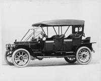 1912 Packard 6 close-coupled, seven-eighths front view, left side, top raised