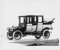 1912 Packard 30 Model UE imperial landaulet, three-quarter front view, left side
