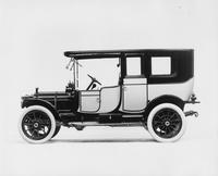1912 Packard 30 Model UE two-toned limousine, left side