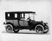1913 Packard 38 two-toned limousine, five-sixth front view, right side