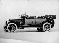 1914 Packard 2-38 two-toned touring car, seven-eights front view, left side, top folded