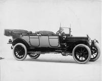 1914 Packard 3-48 two-toned touring car, three-quarter front view, right side, top folded