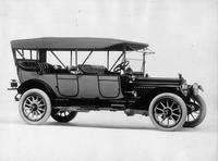 1914 Packard 48 touring car, three-quarter front view, right side