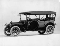 1914 Packard 48 touring car, three-quarter front view, left side