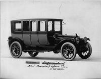 1914 Packard 2-38 two-toned brougham, five-sixth front view, right side