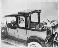 1915 Packard 3-38 two-toned landaulet, with three female passengers & male driver