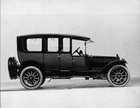 1915 Packard 3-38 two-toned cab-side limousine, right side