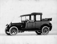 1915 Packard 3-38 two-toned landaulet, five-sixth front view, left side, quarter collapsed