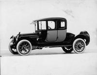 1915 Packard 3-38 two-toned coupe, five-sixth front view, left side