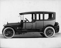 1916 Packard 1-35 two-toned limousine, nine-tenths front view, left side