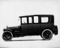1916 Packard 1-35 two-toned imperial limousine, left side