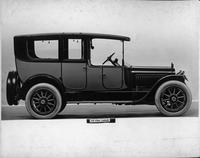 1917 Packard two-toned landaulet, right side view