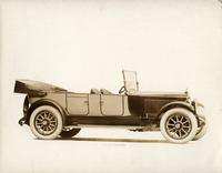 1918-1919 Packard two-toned salon touring car, seven-eights right front view, top folded