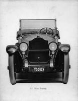 1918-1919 Packard touring car, front view