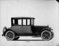 1918-1919 Packard two-toned coupe, seven-eights left front view