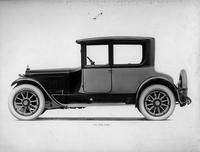 1918-1919 Packard two-toned coupe, right side view