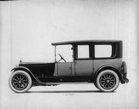 1918-1919 Packard two-toned limousine, right side view