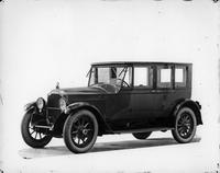 1920 Packard sedan, three-quarter right front view