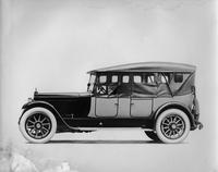 1920 Packard two-toned touring car, side curtains in place