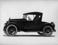1921-1922 Packard runabout, left side view, top raised