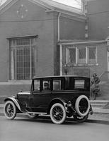 1921-1922 Packard sedan in front of the Frank Scott Clark Studio, Detroit, Mich.