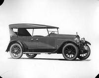1922 Packard touring car, seven-eights front right side view, top raised
