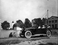 1922 Packard touring car at Windmill Point, Detroit, Mich.