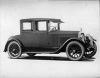 1922-1923 Packard coupe, right front view