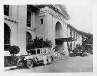 1927 Packard special ambulance parked in front of Philippine General Hospital