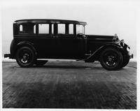 1929 Packard sedan, right side view