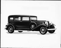 1932 Packard sedan, seven-eights right side view