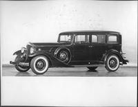 1933 Packard sedan limousine, seven-eights left side view