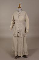 Women's dress from the nineteenth century