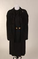 Long sleeved dress of black wool from the 1930s