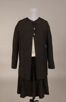 Women's two-piece suit of gray / black light-weight serge from the mid '20s or early '30s