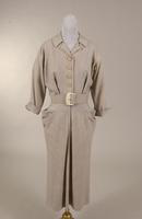 Women's gray wool shirtwaist with round, notched collar from the 1940s