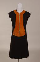 Black wool knit Women's chemise from the 1960s or 70s