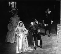 Catherine Malfitano as Lucia, Robert Termine as Enrico, James Hopkins as Arturo, chorus