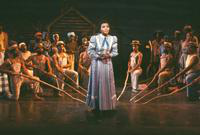 Carmen Balthrop as Treemonisha, ensemble