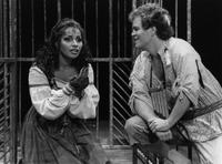 Carmen Balthrop as Pamina, David Parsons as Papageno