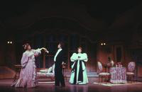 Marilyn Mims as Rosalinda, Andre Jobin as Gabriel von Eisenstein, Evelyn De La Rosa as Adele