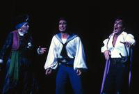 Janet Hopkins Marin as Kate, David Jackson as Frederic, Mary Kay Kinlen as Isabel, Zale Kessler as Major-General Stanley, Carol Meyer as Edith, ensemble