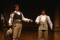 Peteri Samomaa as Figaro, Jose Medina as Don Curzio